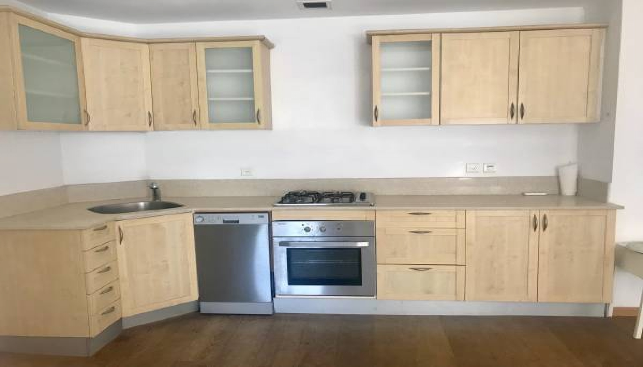 TEL AVIV, 2 Bedrooms Bedrooms, 3 Rooms Rooms,2 BathroomsBathrooms,Apartment,LOC TELAVIV,1,1078